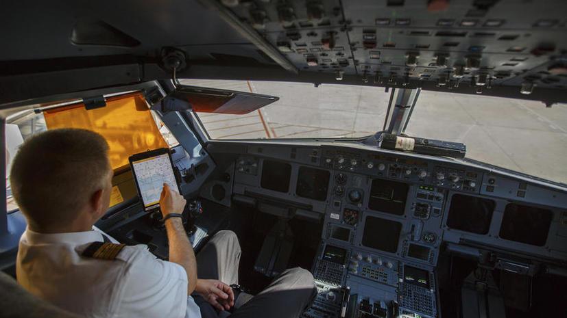 Десятки рейсов в США были отложены из-за сбоя в планшетных компьютерах пилотов