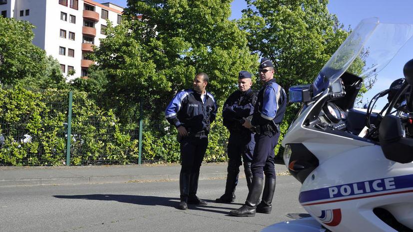 Неизвестные напали на двух посетителей парижской синагоги, это уже второе за сутки нападение на евреев в Европе