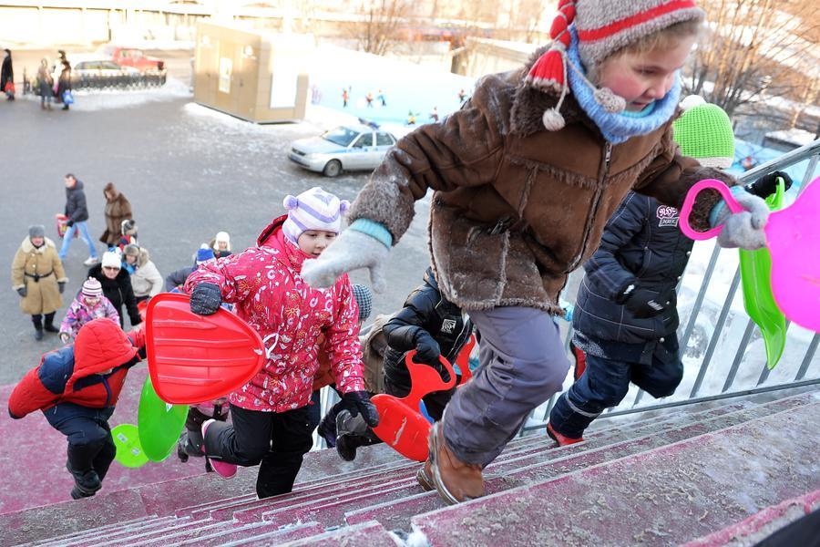Родителей обяжут обеспечить детей одеждой со светоотражателями