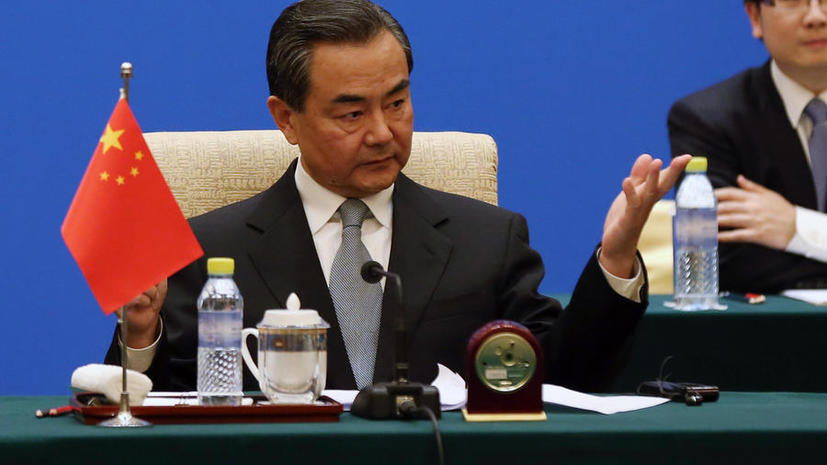 МИД КНР: Отношения России и Китая прочны, но не направлены против третьих стран