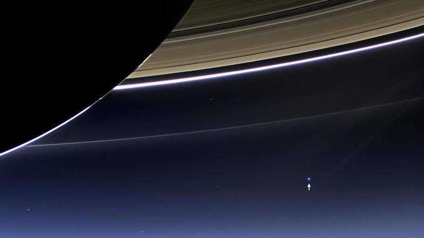 Космический аппарат Cassini получил редкую фотографию Земли