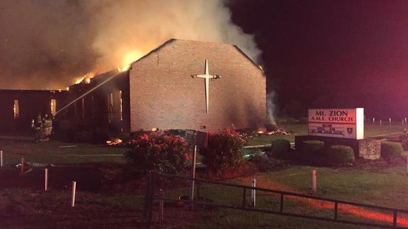 В США сгорела седьмая за последнее время церковь, которую посещали афроамериканцы
