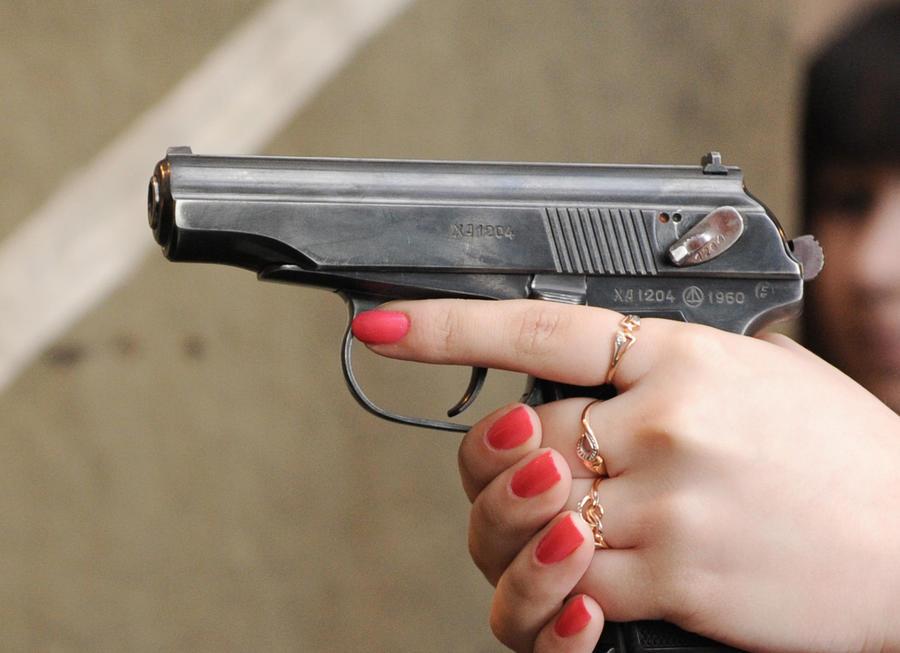 Гражданам РФ могут разрешить уничтожать преступников в ходе самообороны