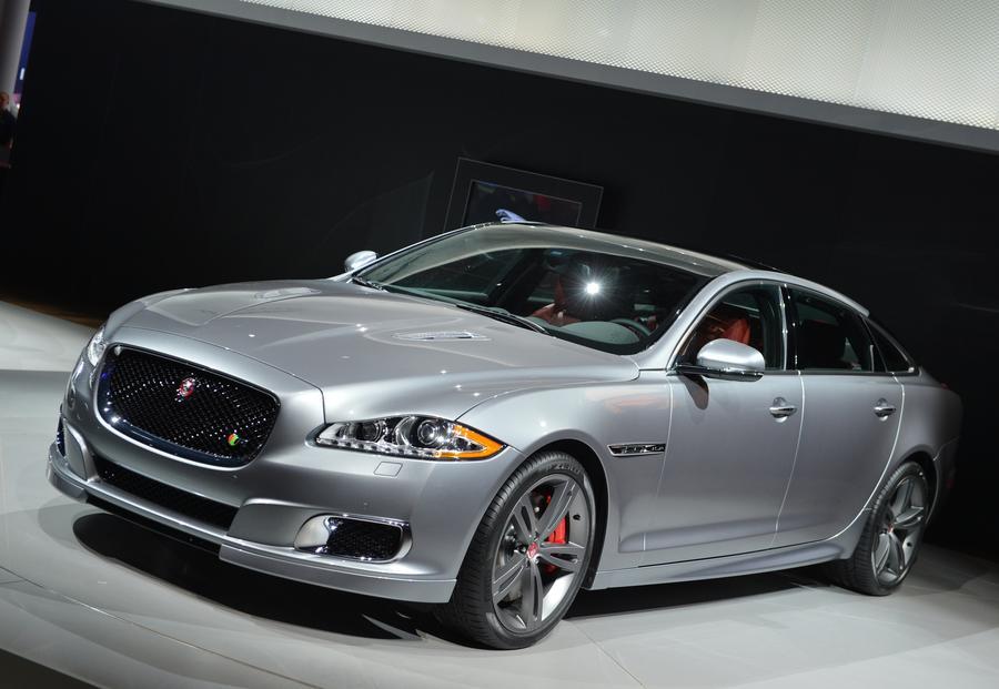 Госдума приняла в первом чтении законопроект о повышении налогов на дорогие автомобили