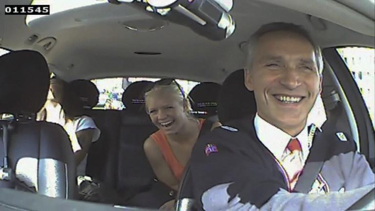 Пассажирам такси премьер-министра Норвегии платили за съёмки