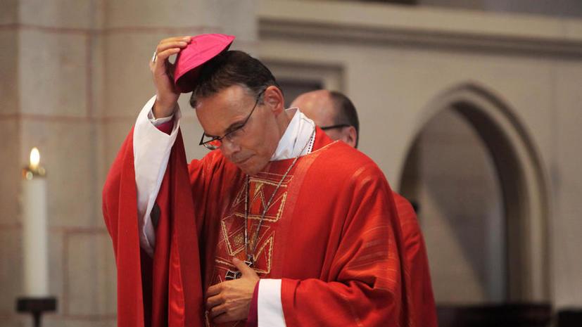 «Епископ-транжира», потративший  €31 млн на свою резиденцию, ненадолго отстранён от церкви