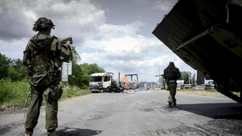 ЛНР: Украинские силовики обстреливают село у границы с Россией