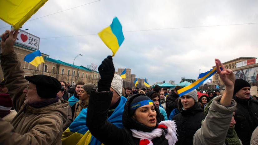 Тысячи сторонников и противников действующей власти собрались в центре Харькова