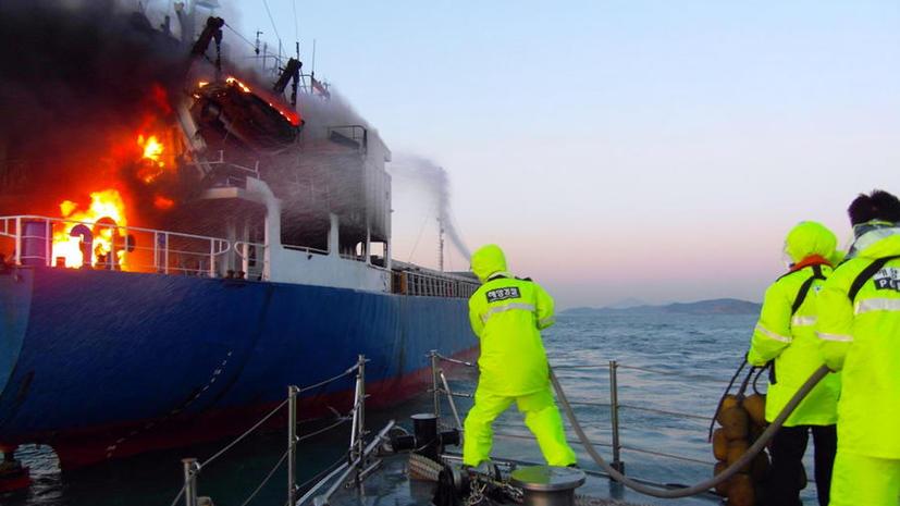Шестеро россиян погибли во время пожара на судне в японском порту