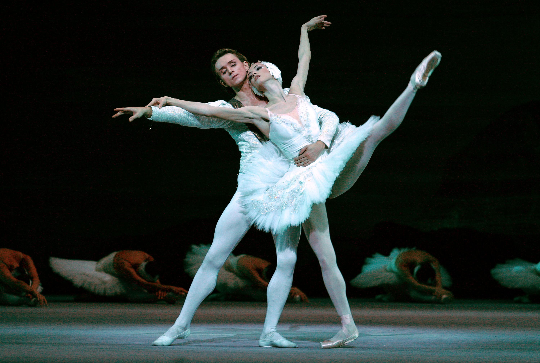 «Лебединое озеро» в 3D: Джеймс Кэмерон сделает из балета блокбастер