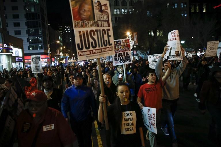 В Нью-Йорке произошли столкновения между полицией и участниками акции в поддержку жителей Фергюсона