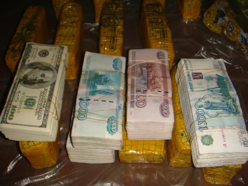 В Москве задержаны подпольные банкиры, выведшие «в тень» более 100 млрд рублей