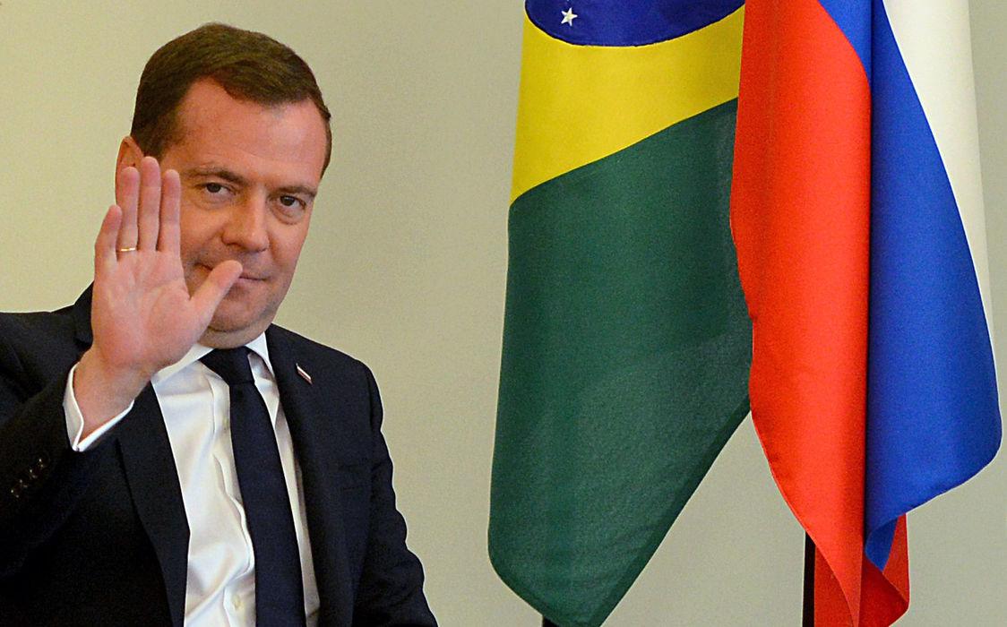 Медведев поделится с Бразилией военными технологиями