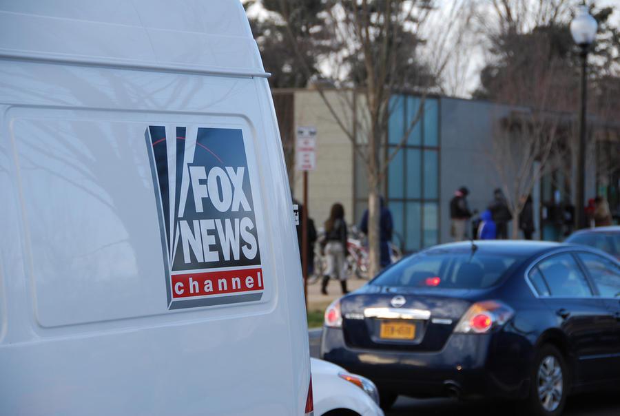 Спортивного комментатора телеканала Fox уволили за антигейские высказывания