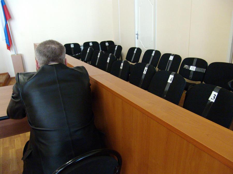 Суды присяжных в России не будут рассматривать дела педофилов