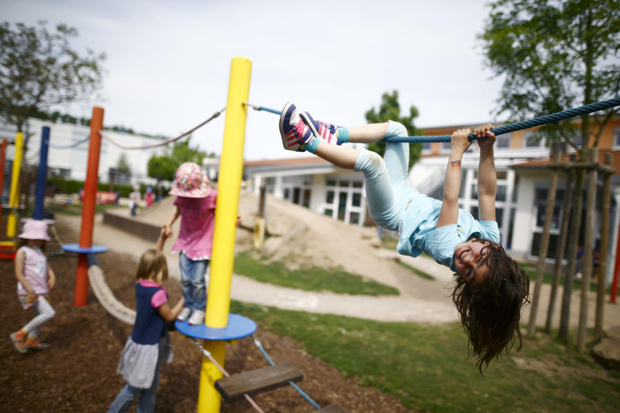 Учёные впервые выяснили, где живут самые счастливые дети на планете