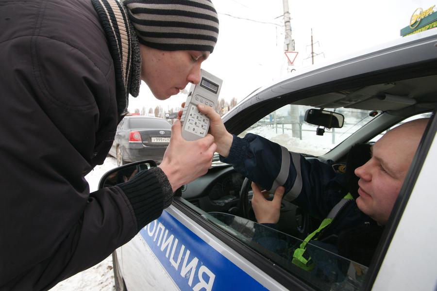 МВД планирует проверять на алкоголь не только водителей