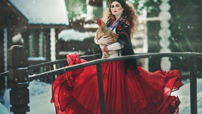 Фотограф Маргарита Карева рассказала RT, как «оживляет» русские сказки