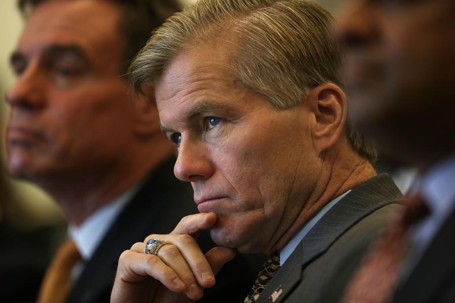 В США бывший губернатор и его жена оказались в центре коррупционного скандала из-за подарков