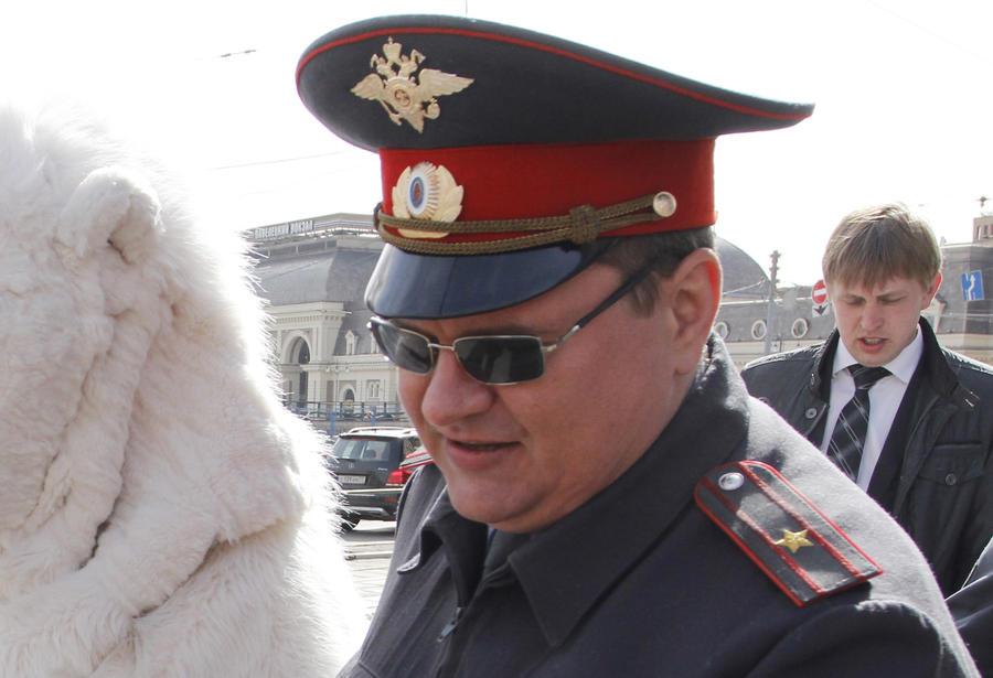 МВД закупает солнцезащитные очки для полицейских