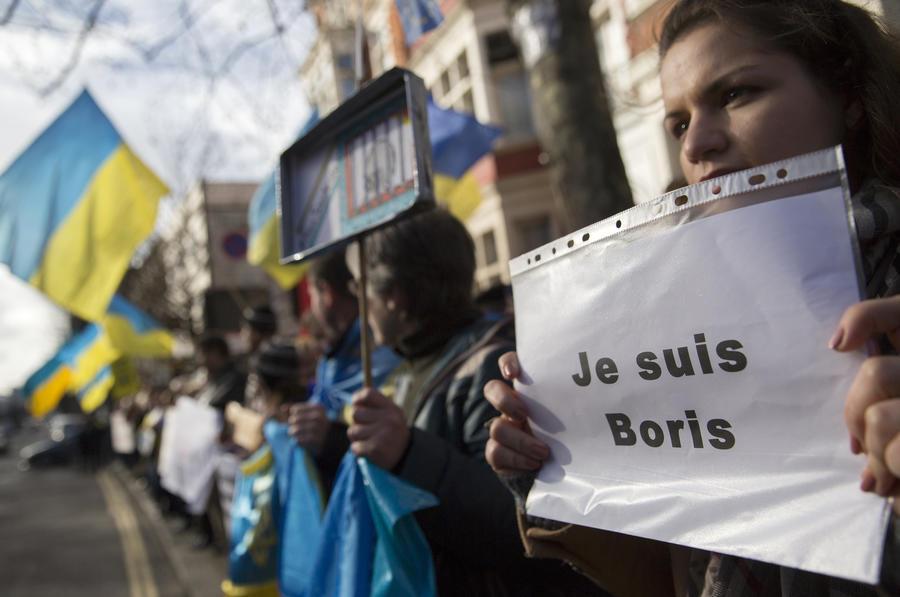 Le Figaro: Запад забыл, из какой демократии Немцовы и Гайдары родом