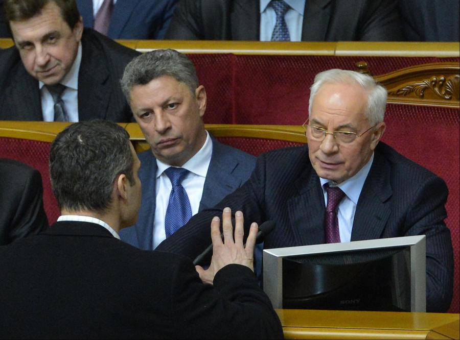 Депутаты Партии регионов готовы проголосовать за отставку правительства Николая Азарова