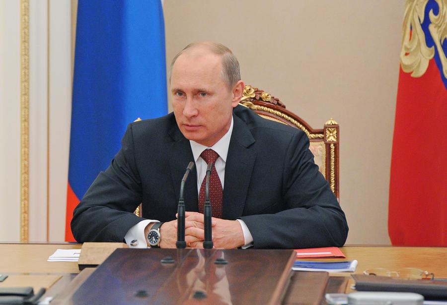 Владимир Путин обсудит c чиновниками первые результаты ЕГЭ-2013