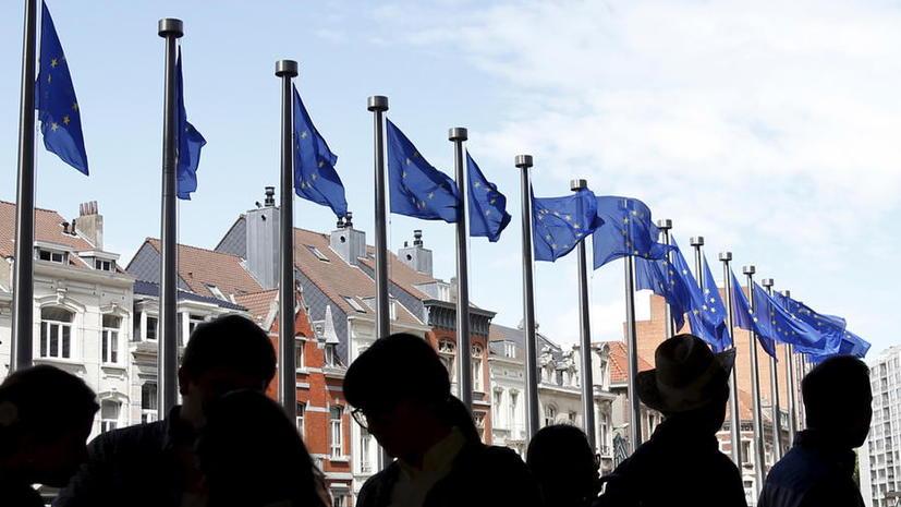 The Guardian: В отличие от ЕС, Россия не лезет во внутреннюю политику и много не требует
