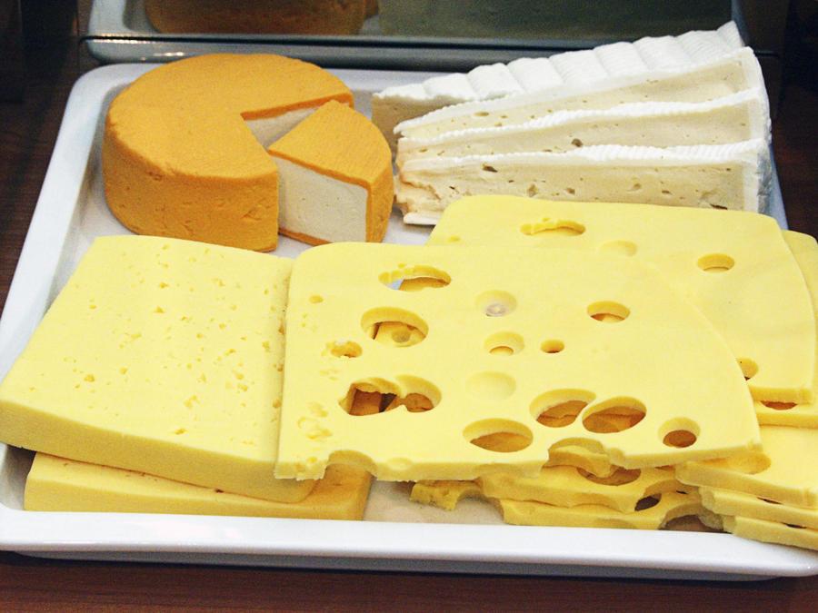 Швейцарский сыр появится на российских прилавках