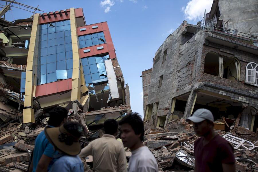 Новое мощное землетрясение в Непале: фотографии и комментарии