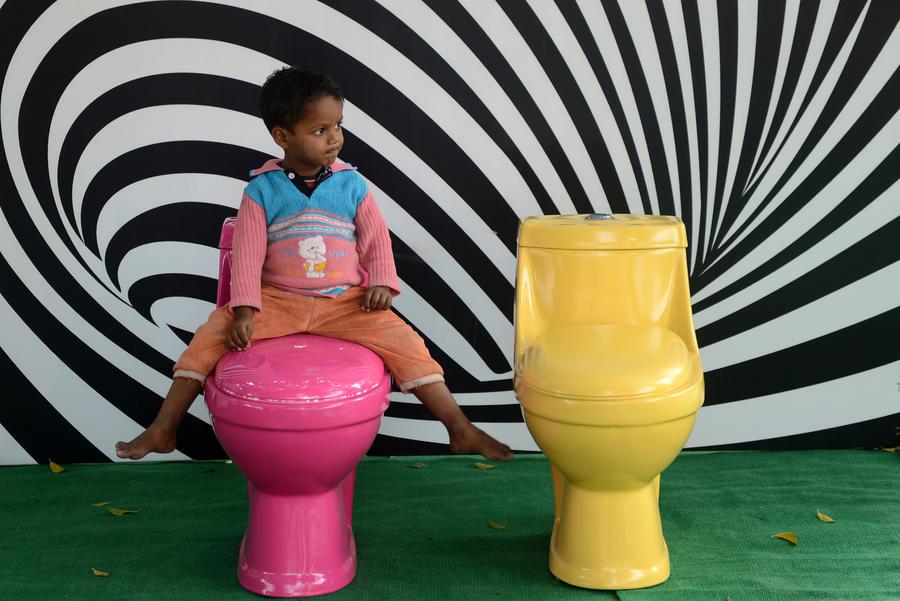 В Калифорнии школьники-трансгендеры отныне могут ходить в любые туалеты