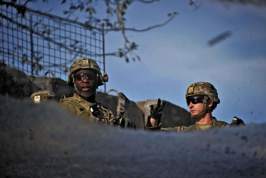 Британский генерал предупредил об опасности поспешного сокращения войск в Афганистане