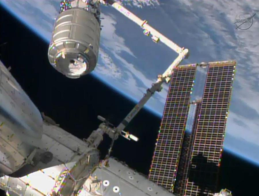 Орбиту МКС подняли на два километра