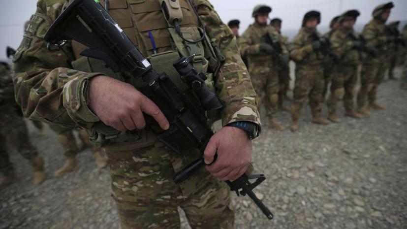Эксперт: Участвуя в конфликте на Украине, Великобритания пытается решить проблемы своей армии