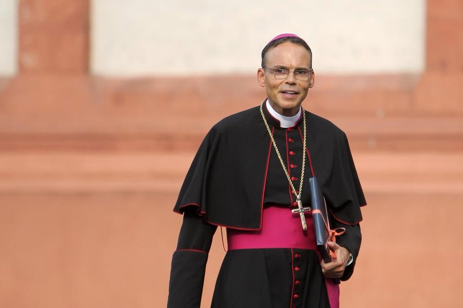 «Епископ-транжира» вызван в Ватикан для разбирательства