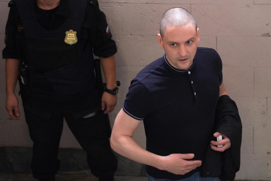 Дело Удальцова и Развозжаева возвращено в прокуратуру