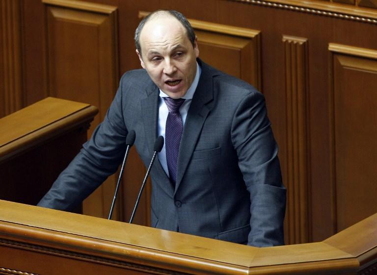 Украина собирается ввести визы с Россией и выйти из СНГ