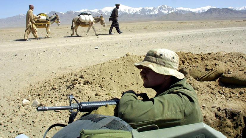 За издевательство над трупами афганцев американского морпеха понизили в звании