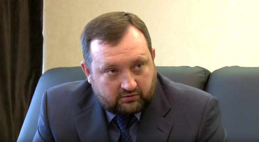 Экс-глава Нацбанка Украины: От звания банановой республики Украину отделяет лишь отсутствие бананов