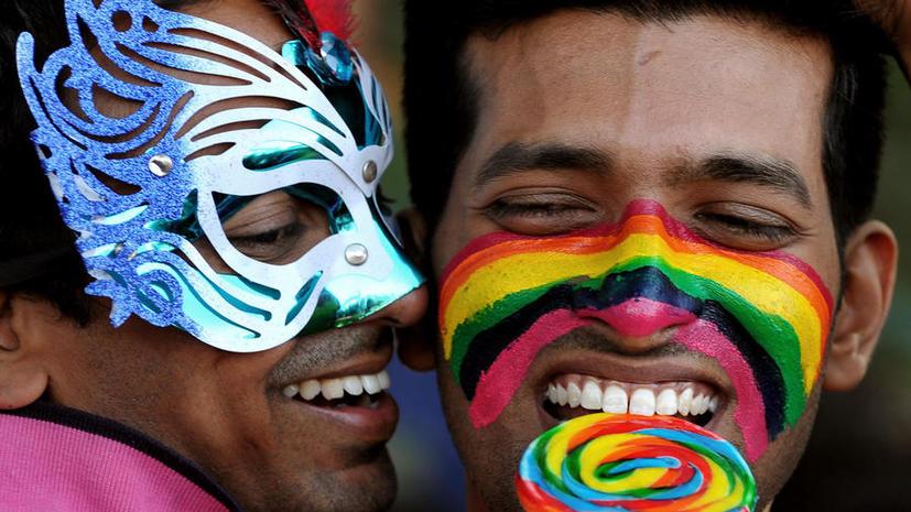Каждый второй россиянин с отвращением относится к гомосексуалистам
