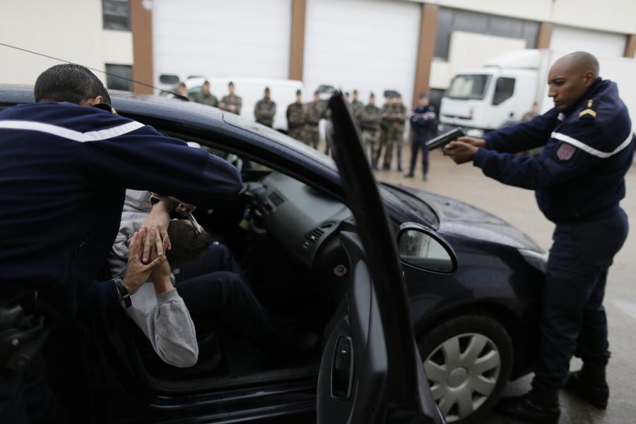 Бывший министр финансов Подмосковья задержан во Франции с поддельными паспортами