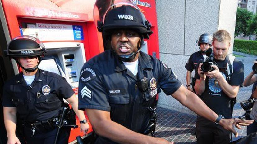Полицейский в США ударил шокером 10-летнего ребенка за отказ помыть его машину