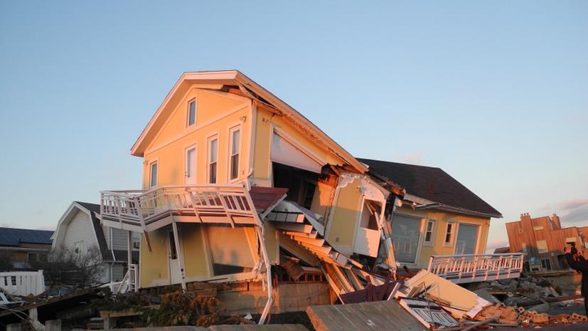 Тысячи американцев, пострадавших от «Сэнди», продолжают жить в разрушенных домах