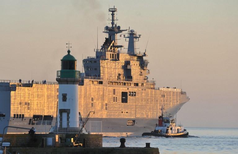 В Петербурге спустили на воду кормовую часть десантного корабля класса «Мистраль»