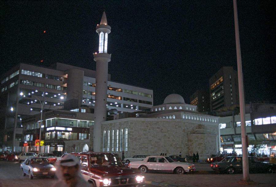 В Кувейте запись в Twitter стоила оппозиционеру свободы