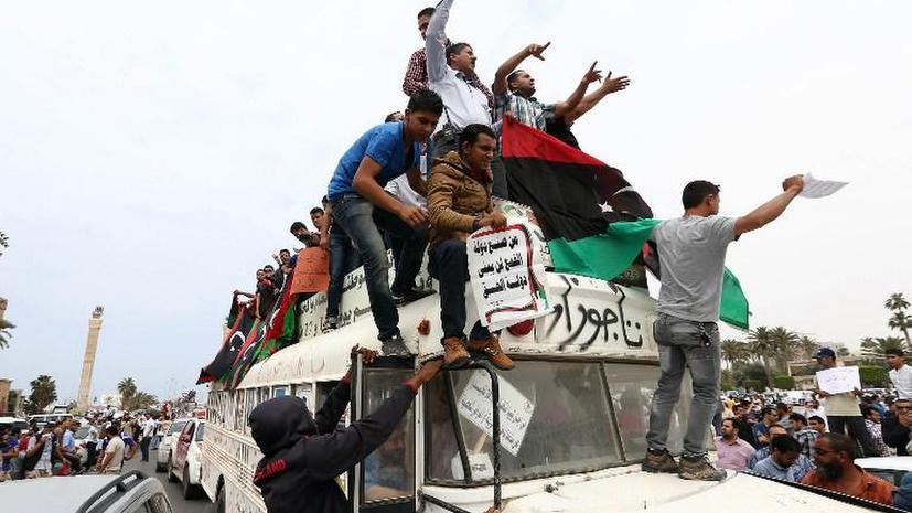 В Ливии чиновникам Каддафи запретили занимать госдолжности