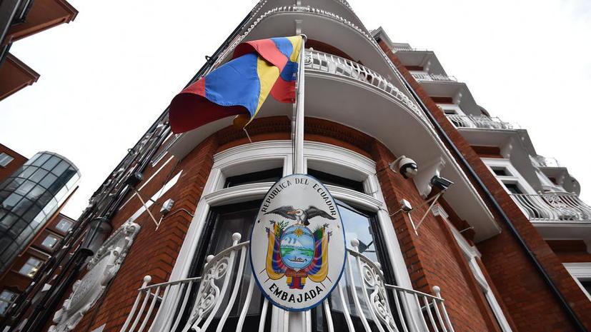 Два года слежки за Ассанжем у посольства Эквадора обошлись британцам почти в $12 млн