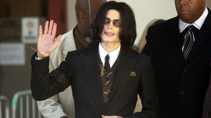 ФБР: Джексон потратил $35 млн, чтобы заставить замолчать жертв своих домогательств