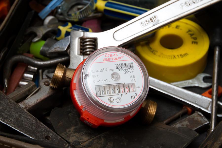 Госдума обяжет управляющие компании покупать россиянам водосчётчики