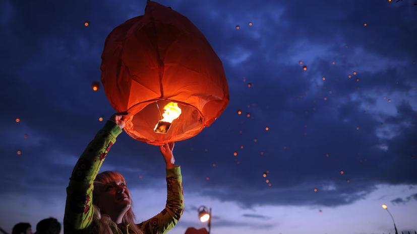 «Небесные фонарики» запретили запускать в населенных пунктах и рядом с лесом